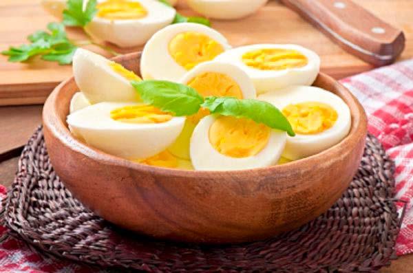 مصرف روزانه تخم مرغ برای سلامتی مفید است !